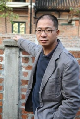 香港油畫研究會幹事:潘耀輝